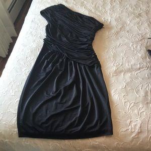 Grecian style little black dress😍